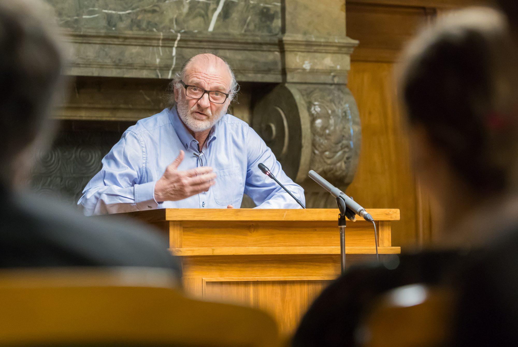 Der erste Bertolt Brecht Gastprofessor der Stadt Leipzig am CCT der Universität Leipzig, Herr Peter Konwitschny, bei seinem Empfang im alten Ratsplenarsaal der Stadt Leipzig